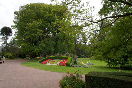 Gardens in normandy for Entretien jardin bayeux